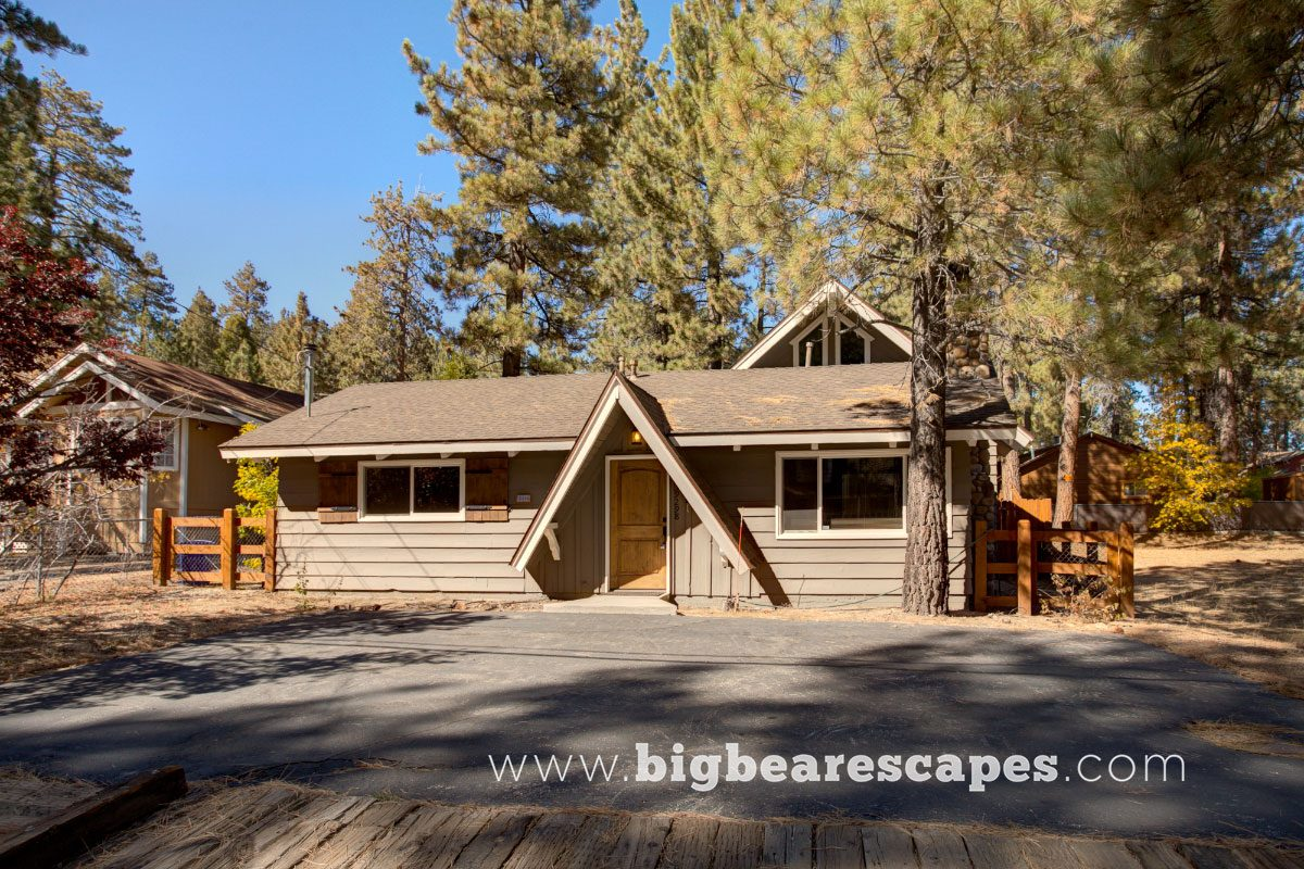 kitchen bbq dish table near mountain friendly loggy huge cabins pet ha pool bear property big tv